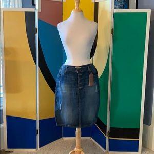 NWT Guess 5 button denim pencil skirt